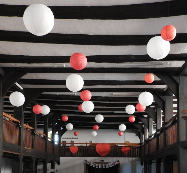 Lampions weiß rot